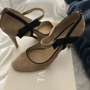 Nine West suede pumps with black bow